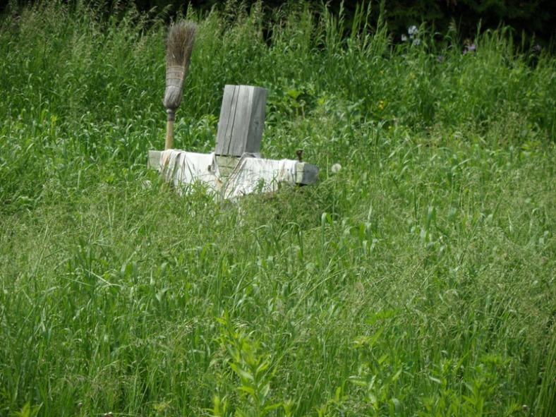 the Vankleek Hill garden scarecrow