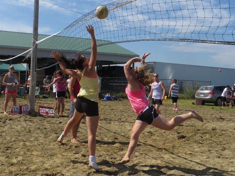 beach volleyball at the Vankleek Hill fair