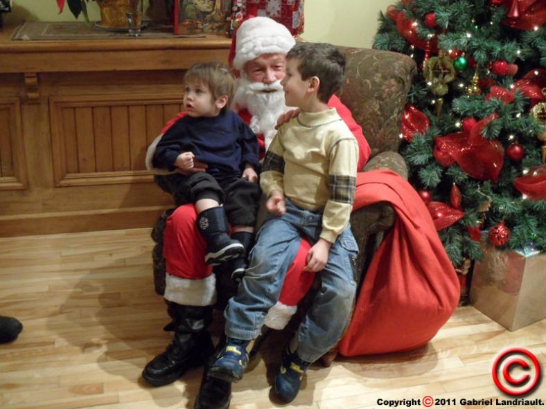Santa Claus visits Vankleek Hill